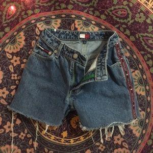 raw hem tommy hilf shorts